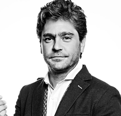 Martín Altomaro