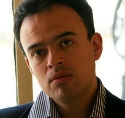 Luis Ayhllón