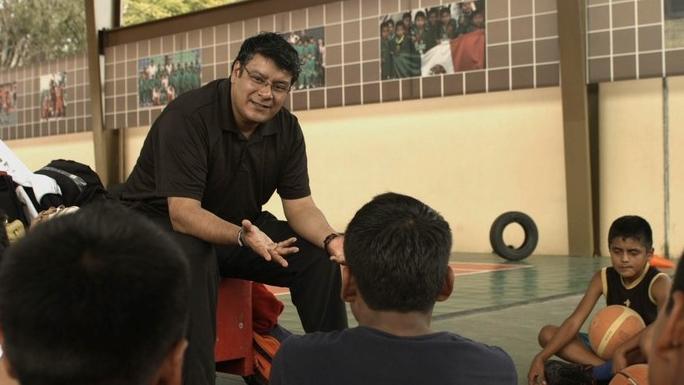 Gigantes descalzos